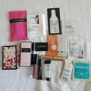 Makeup Sampler Bag